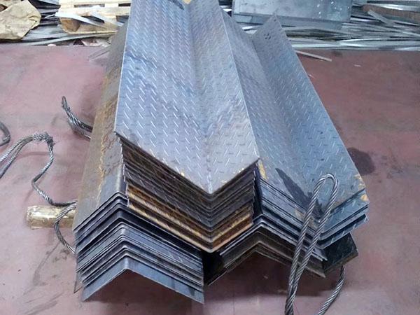 西anbu锈钢剪板折弯